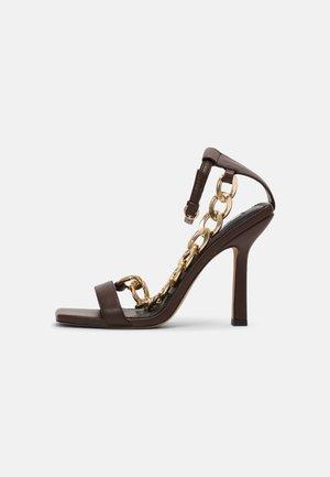 CHUNKY CHAIN - Sandals - dark brown