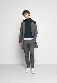 Only & Sons - ONSMARK PANTS CHECK - Pantalones - medium grey melange - 1