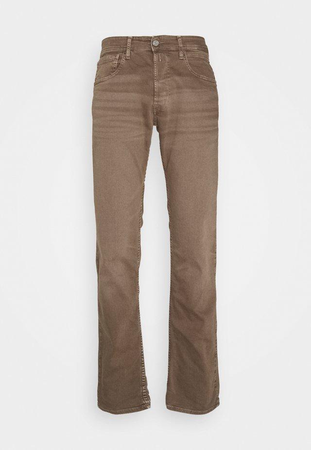 GROVER - Straight leg jeans - mud