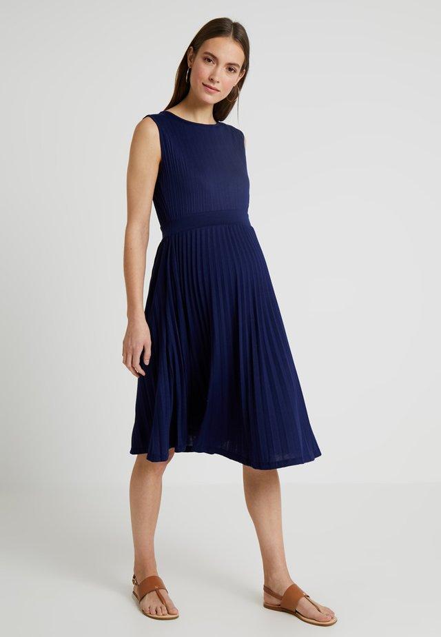 KNIFE PLEAT DRESS ROUND NECK - Jersey dress - dark blue