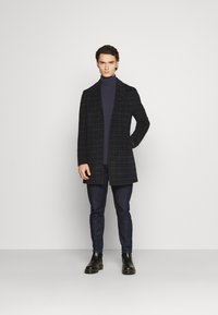 Isaac Dewhirst - CHECK OPTION - Classic coat - dark blue - 1