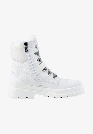 ST. MORITZ MIT SPIKES - Winter boots - weiß