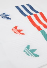 adidas Originals - MID CUT 3 PACK - Socks - white - 2