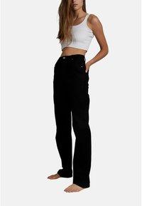 Cotton On - HIGH STRETCH - Straight leg jeans - black - 2