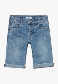 Name it - NKMSOFUS LONG - Jeansshort - light blue denim - 0