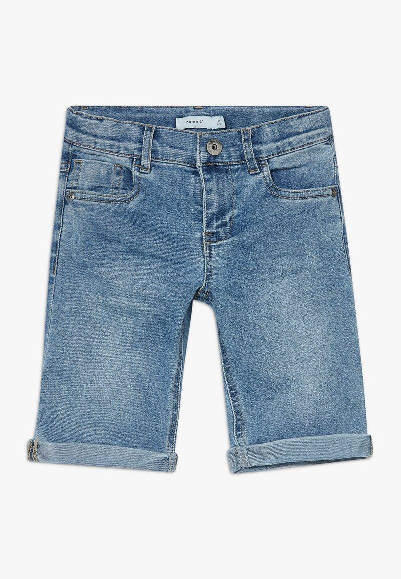 Name it - NKMSOFUS LONG - Jeansshort - light blue denim