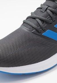 adidas Performance - RUNFALCON - Zapatillas de running neutras - grey six/true blue - 5