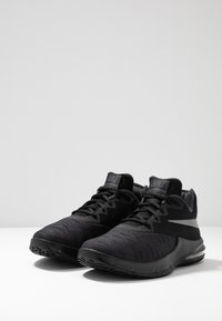 Nike Performance - AIR MAX INFURIATE III LOW - Basketball shoes - black/metallic dark grey/anthracite - 2