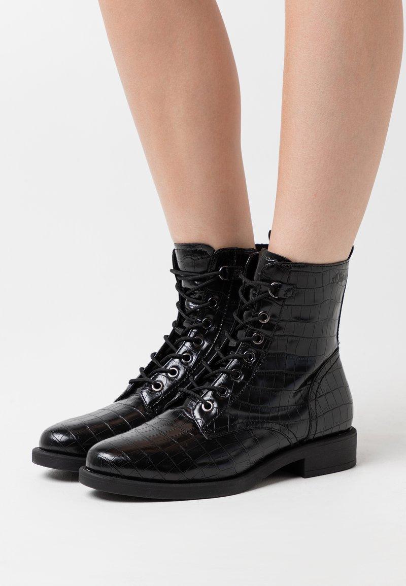 s.Oliver BLACK LABEL - Šněrovací kotníkové boty - black