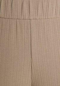 Monki - CILLA TROUSERS - Bukse - mole medium dusty - 2