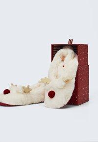 OYSHO - Slippers - white - 3