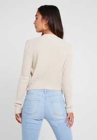 Missguided Petite - SKINNY CROPPED CARDIGAN - Cardigan - beige - 2