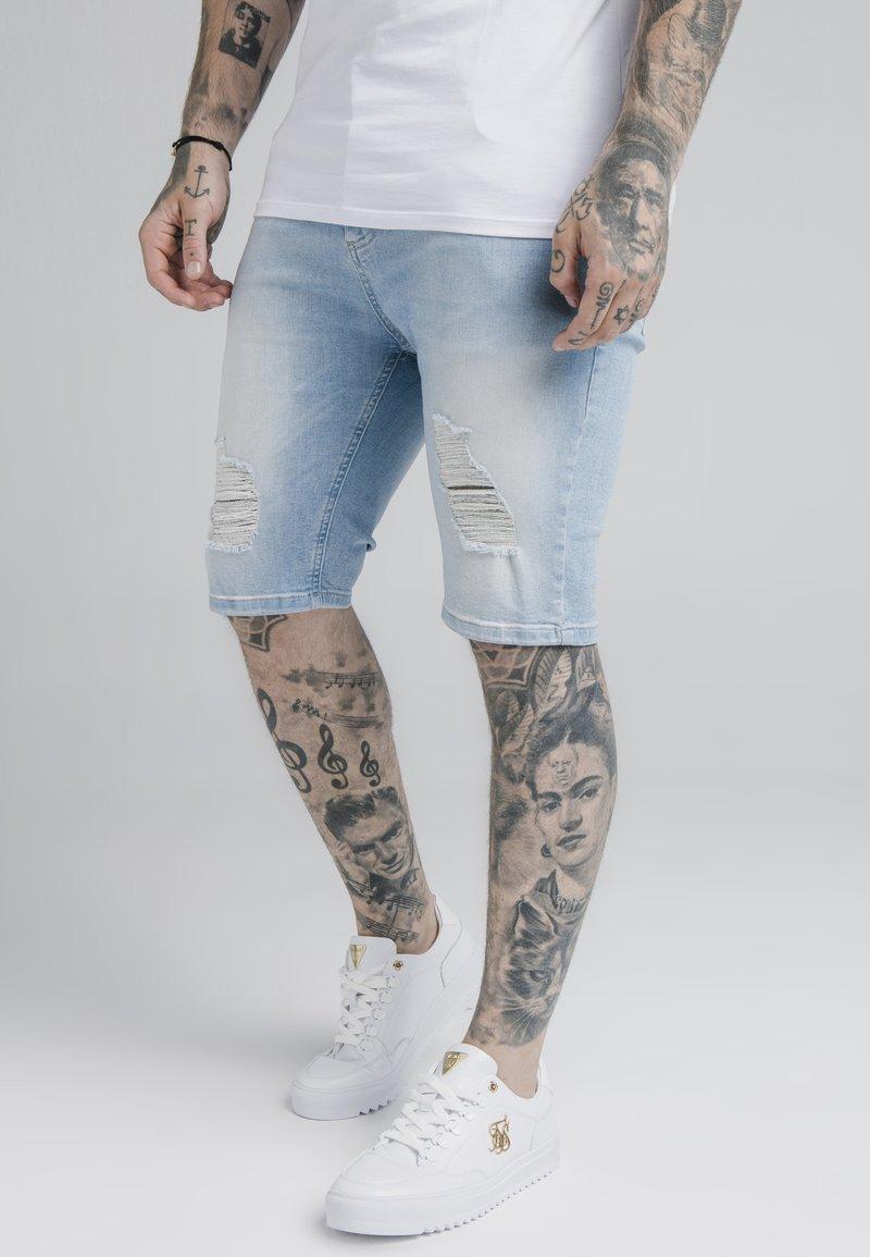 SIKSILK - DISTRESSED - Jeansshorts - light blue