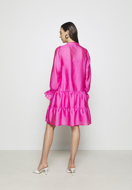 Cras SELMACRAS DRESS Freizeitkleid magenta/pink