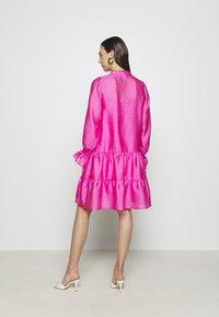 Cras - SELMACRAS DRESS - Sukienka letnia - magenta - 2