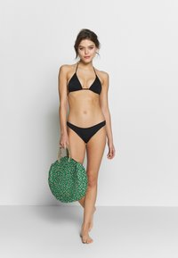 ONLY - ONLNITAN BRIEF 2 PACK - Bikini bottoms - black/bright white - 0
