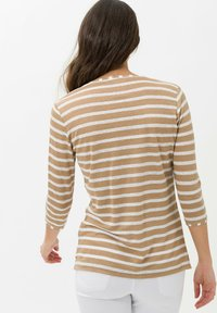 BRAX - STYLE CLAIRE - Long sleeved top - sand - 2