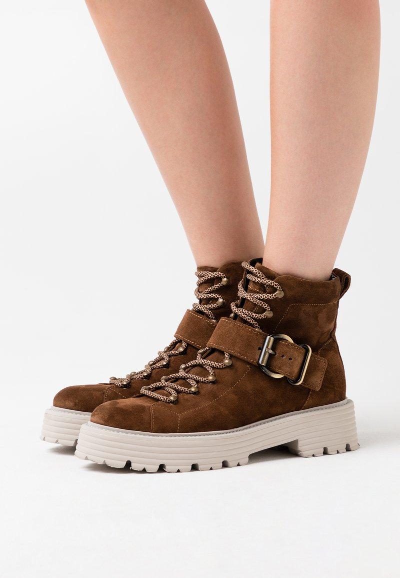 Kennel + Schmenger - POWER - Platform ankle boots - castoro