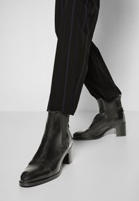 See by Chloé - ANNYLEE - Classic ankle boots - black - 0