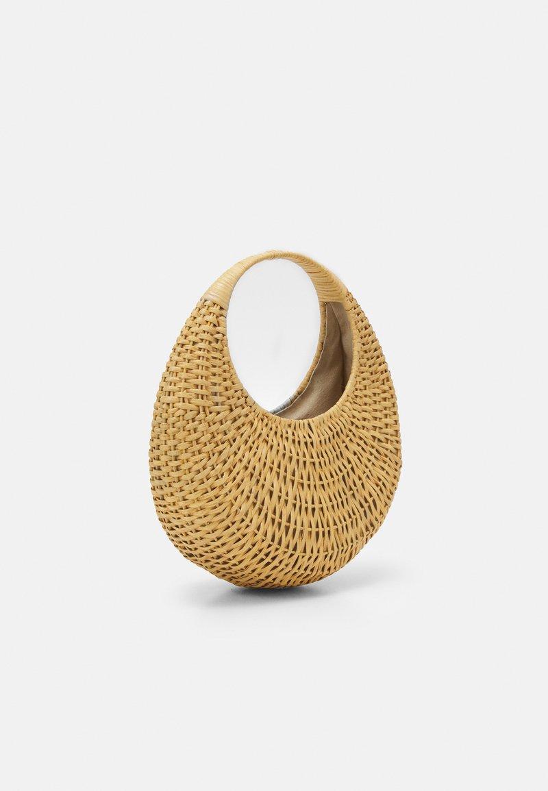 Cult Gaia - TAJA TOP HANDLE - Handbag - natural