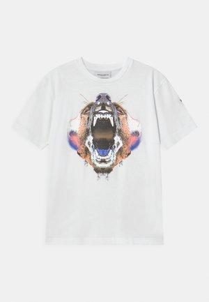 BEAR - Triko spotiskem - white