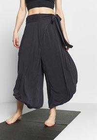 Free People - VENICE HAREM - Pantalon de survêtement - black - 0