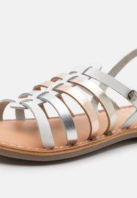 Gioseppo - ETALLE - Sandals - blanco - 5