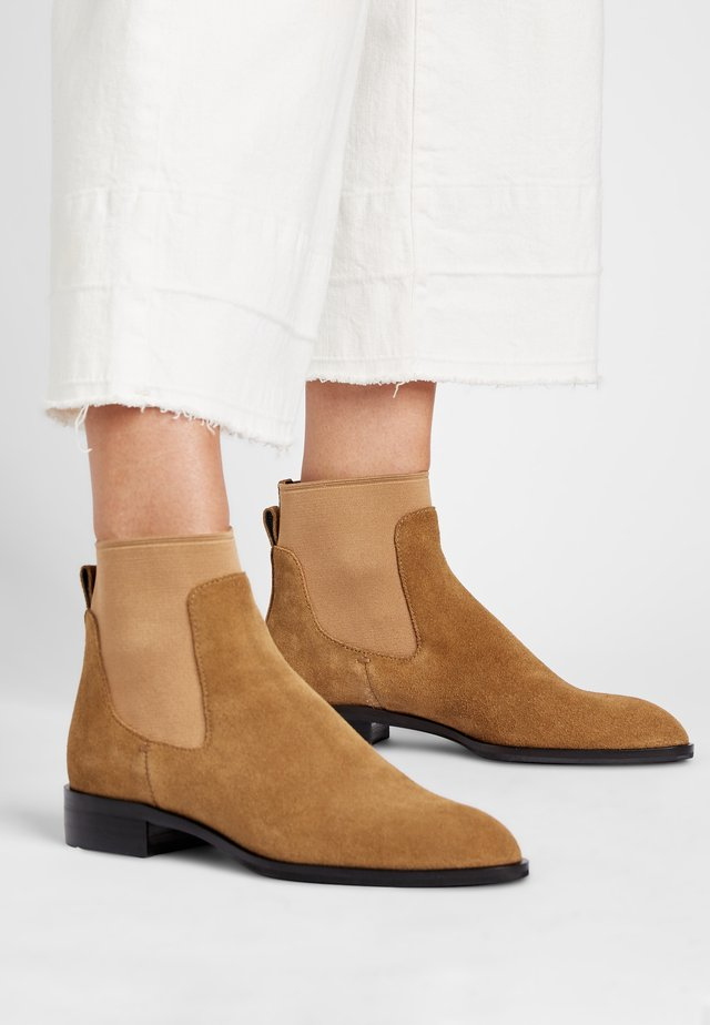 RYAN - Classic ankle boots - sandfarben