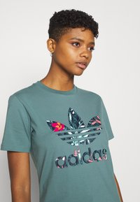 adidas Originals - T-shirt imprimé - hazy emerald - 3