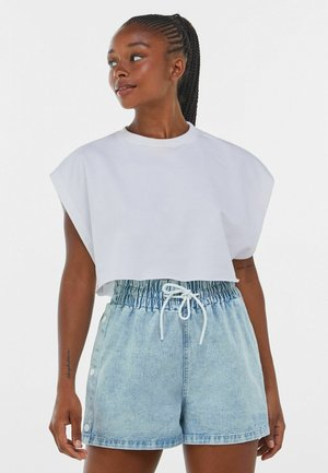 WITH SIDE DETAIL - Denim shorts - blue
