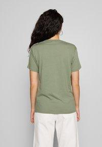 Fila Tall - TANDY TEE - Print T-shirt - sea spray/bright white - 2