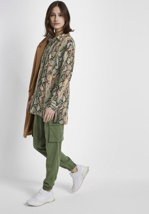 TOM TAILOR DENIM MIT SCHLANGEN - Koszula - green/zielony FTLD