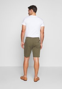 INDICODE JEANS - THISTED - Shorts - dark green - 2