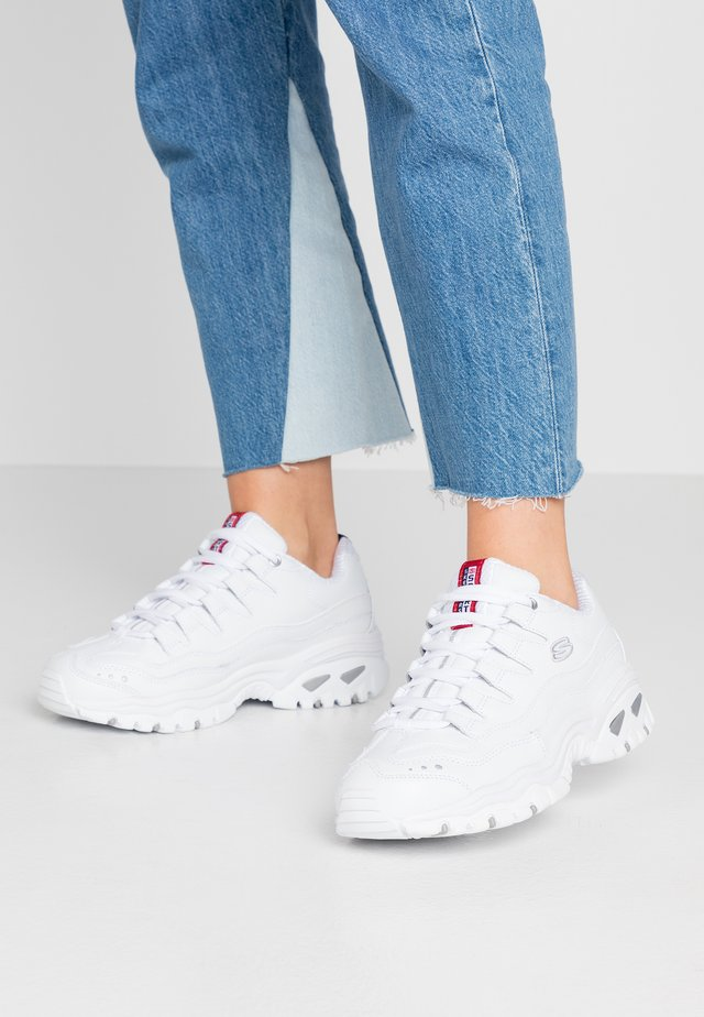 WIDE FIT ENERGY - Sneakers laag - white