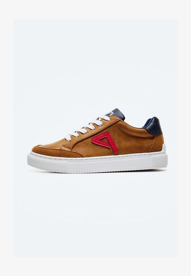 ADAMS ARCHIVE - Sneakers laag - cognac