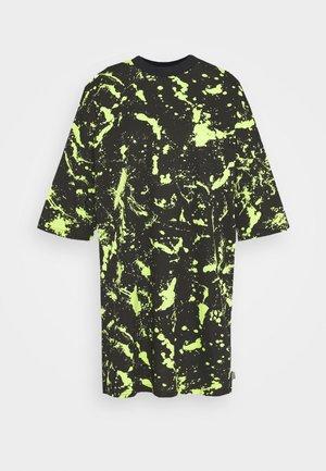 PAINT SPLAT SHORT SKATER DRESS - Jersey dress - lime