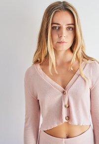 Bershka - Cardigan - pink - 0