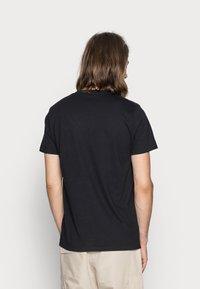 Hollister Co. - CREW CHAIN 3 PACK - Basic T-shirt - black/white/grey - 4