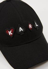 KARL LAGERFELD - PLAYING CARDS  - Czapka z daszkiem - black - 5