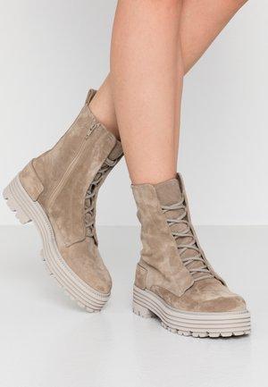 ELA - Platform ankle boots - biscuit
