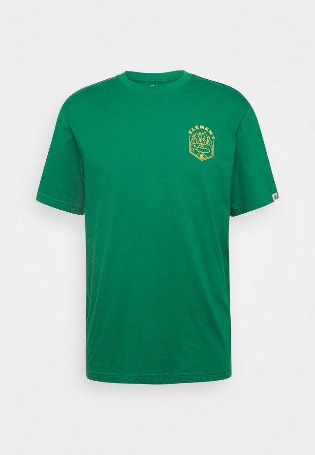 SORA - Camiseta estampada - verdant green