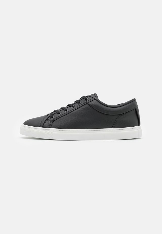 LT 01 VEGEA - Sneakers - black