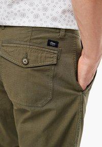 s.Oliver - Shorts - khaki - 4
