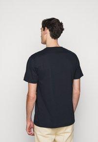 Libertine-Libertine - BEAT LOGO - T-shirt basic - night sky - 2