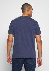 Tommy Jeans - NOVEL VARSITY LOGO TEE - Print T-shirt - twilight navy - 2