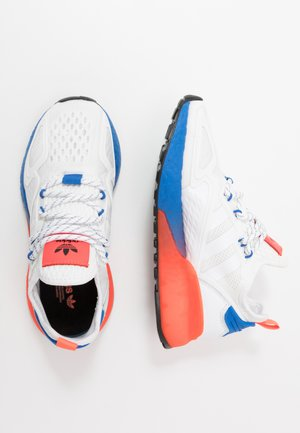 ZX 2K BOOST - Sneakers basse - footwear white/solid red/blue