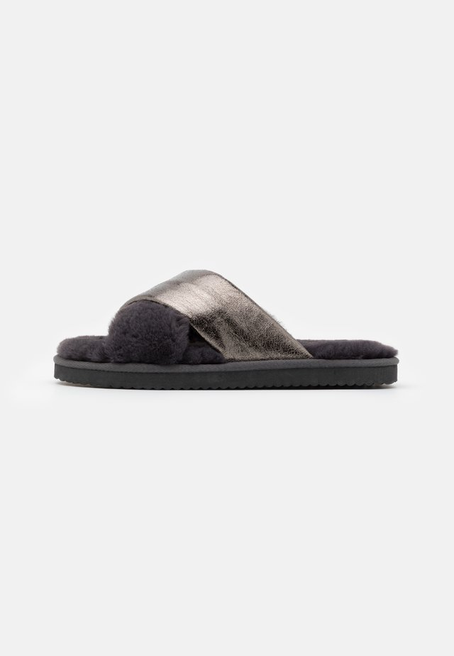 CROSS METALLIC - Slippers - dark grey