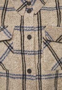 Moss Copenhagen - KASSIDY - Classic coat - sand melange - 2