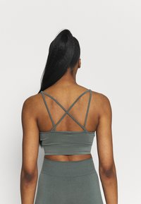 Even&Odd active - SEAMLESS SET - Top - green - 2