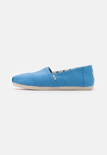 ALPARGATA VEGAN - Scarpe senza lacci - azure blue